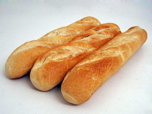 Bánh mì, với bánh quy bơ sữa ăn với thịt bò hầm là tốt nhất