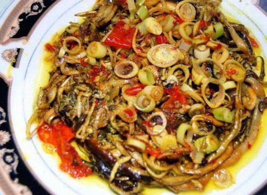 Cách làm món rắn xào sả ớt
